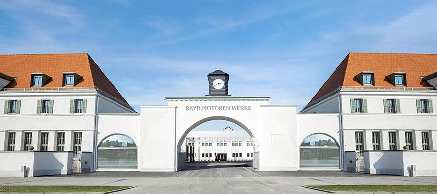 BMW Group Classic: historisches Werktor von BMW