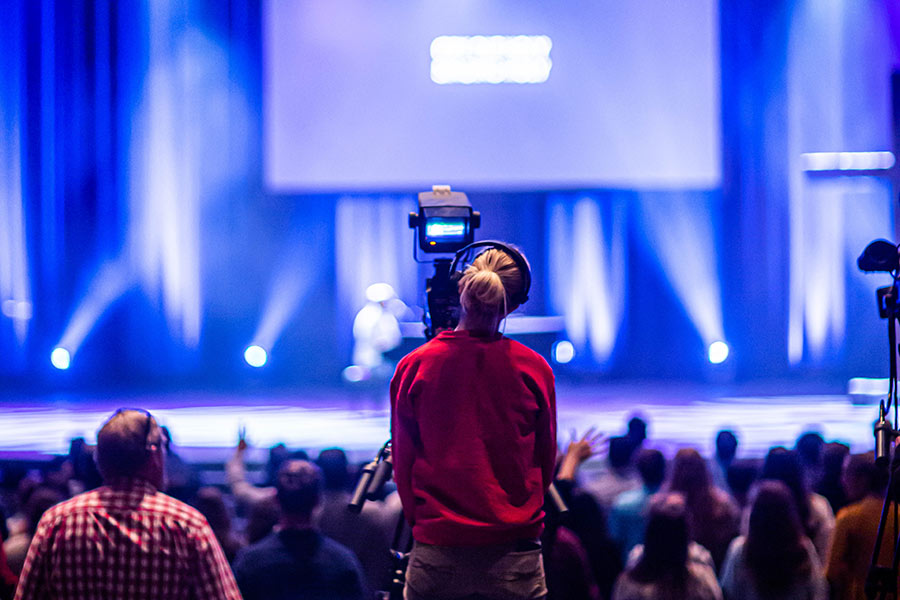 sorge für ausreichend Licht auf der Bühne