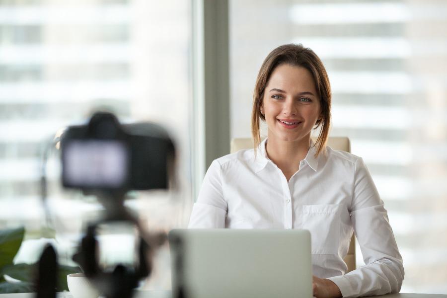 live, simulive oder aufgezeichnete Vorträge auf Online-Events
